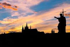Siluetta del castello di Praga Fotografia Stock