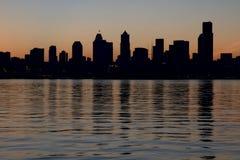 Siluetta del centro dell'orizzonte di Seattle Fotografia Stock Libera da Diritti