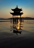 Siluetta del gloriette cinese Fotografia Stock Libera da Diritti