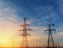 Siluetta del pilone della trasmissione di elettricità di alto potere Immagine Stock Libera da Diritti