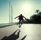 Siluetta del skateboarder fotografia stock libera da diritti
