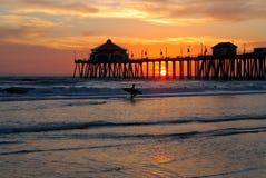 Siluetta del surfista fotografia stock