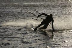 Siluetta del surfista del cervo volante Fotografie Stock Libere da Diritti
