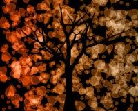 Siluetta dell'albero con la priorità bassa dei fogli di autunno Immagine Stock Libera da Diritti