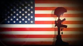 Siluetta dell'incrocio del soldato caduto Fotografia Stock Libera da Diritti