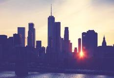Siluetta dell'orizzonte di New York al tramonto, U.S.A. Fotografia Stock
