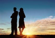 Siluetta dell'uomo e della donna in un litigio Fotografia Stock Libera da Diritti