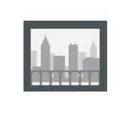 Siluetta della città nel telaio scuro isolato su bianco Fotografia Stock