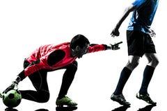 Siluetta della concorrenza del portiere del calciatore di due uomini Immagini Stock Libere da Diritti