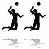 Siluetta della donna che gioca pallavolo Fotografie Stock Libere da Diritti