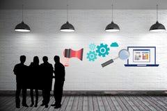 siluetta della gente di affari con il grafico Immagini Stock Libere da Diritti