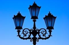 Siluetta della lampada della lanterna della via Immagini Stock