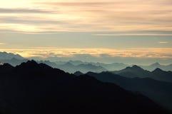 Siluetta della montagna Fotografia Stock