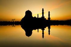 Siluetta della moschea Fotografie Stock
