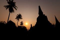 Siluetta della pagoda, Ayutthaya, Tailandia Fotografia Stock