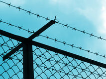 siluetta della prigione della rete fissa Fotografie Stock