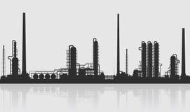 Siluetta della raffineria di petrolio o dello stabilimento chimico Fotografie Stock