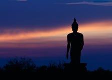 Siluetta della statua del buddha fotografia stock libera da diritti