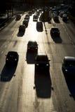 Siluetta della via delle automobili dell'ingorgo stradale Fotografia Stock