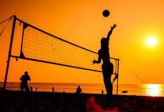 Siluetta di beach volley Immagine Stock Libera da Diritti
