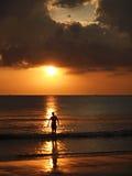 Siluetta di tramonto di Cloduy Fotografia Stock