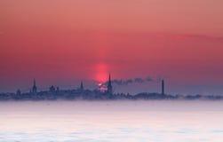 Siluetta di tramonto di Tallinn Fotografie Stock