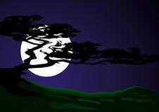 Siluetta di un albero su un fondo della luna Illustr di vettore Fotografia Stock Libera da Diritti