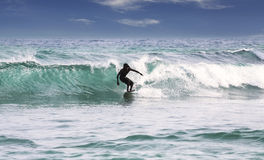 Siluetta di un surfista Immagine Stock
