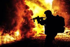 Siluetta nera del soldato Fotografie Stock Libere da Diritti