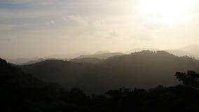 Siluetta nera e grigia della montagna, San Ramon, Nicaragua Immagini Stock