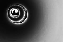 Siluetta in un tubo Fotografia Stock