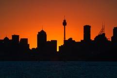 Siluette de la puesta del sol en Sydney, Australia imágenes de archivo libres de regalías