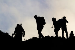 Siluette degli uomini sull'Etna Immagine Stock Libera da Diritti