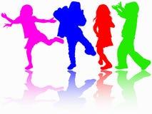 Siluette dei bambini di dancing Immagini Stock Libere da Diritti