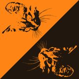 Siluette dei gatti su un fondo marrone ed arancio Vettore royalty illustrazione gratis