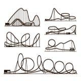 Siluette del nero di vettore di vettore delle montagne russe isolate su bianco Icone del parco di divertimenti illustrazione vettoriale