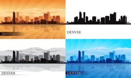 Siluette dell'orizzonte della città di Denver messe Fotografie Stock