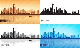 Siluette dell'orizzonte della città di Seattle messe Fotografie Stock Libere da Diritti
