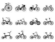 Siluette della bicicletta impostate illustrazione di stock