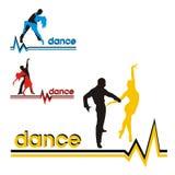 Siluette della sala da ballo di dancing delle coppie Fotografia Stock Libera da Diritti