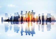 Siluette delle attività differenti degli uomini d'affari all'aperto Immagini Stock