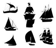 Siluette delle navi di navigazione storiche Immagine Stock Libera da Diritti
