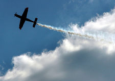 Siluette des Luftflugzeuges Lizenzfreies Stockbild