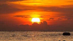 Siluette des Sonnenuntergangs am chonburi, Thailand im Sommer Stockbild