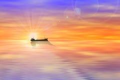 Siluette, nave da carico del mare al tramonto Immagini Stock Libere da Diritti