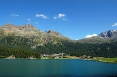 Silvaplanersee - alpi del lago e dello svizzero Silvaplana Immagini Stock Libere da Diritti
