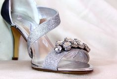 Silver Ladies shoe with Rhinestones Royalty Free Stock Photos