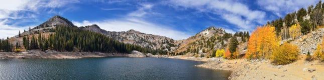 Silver Lake par la station de vacances de solitude et de Brighton Ski en grand canyon de peuplier Vues panoramiques des traînées  photographie stock