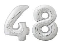 Silver nummer 48 fyrtioåtta gjorde av den isolerade uppblåsbara ballongen på vit Arkivfoto