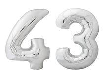 Silver nummer 43 fyrtiotre gjorde av den isolerade uppblåsbara ballongen på vit Royaltyfri Fotografi
